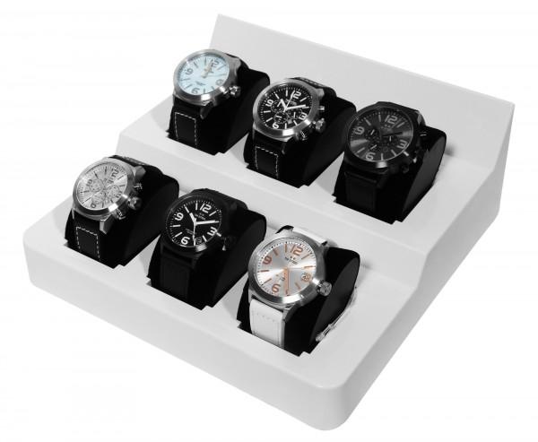 bestücktes Display mit 6 TW Steel Uhren